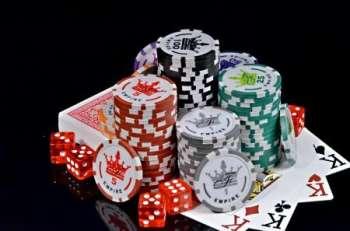 В чем преимущества онлайн-покера